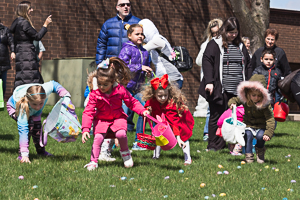Kids rushing to get Easter eggs