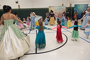 Kids dancing with princesses
